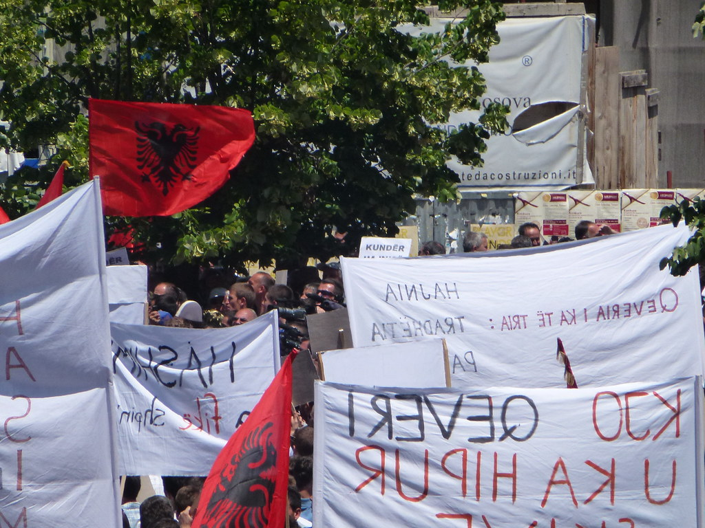 Kosovo: a hasty rotation of power